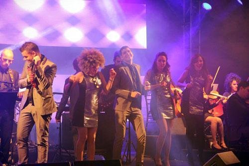 להקת legend על הבמה