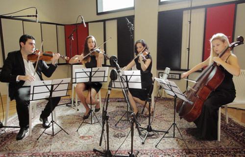 רביעיית כלי קשת לקבלת פנים Strings Quartet