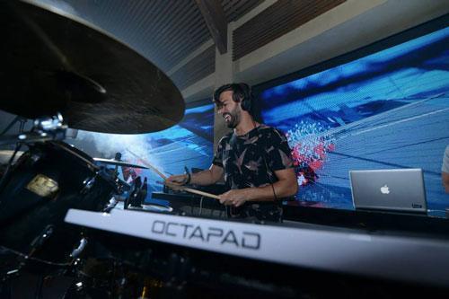 הופעת live של DJ